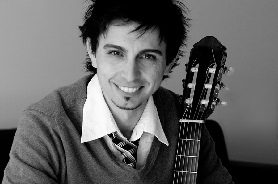 Acoustic Guitarist for Private & Corporate Events in Adelaide